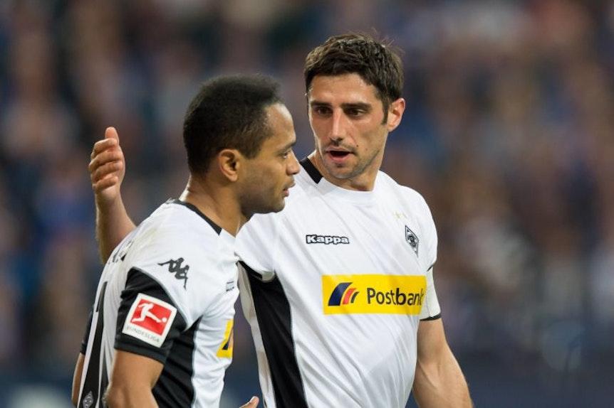Raffael (li) will nach der Verletzung von Lars Stindl (re) nun erst recht unbedingt mit Borussia Mönchengladbach nach Europa.