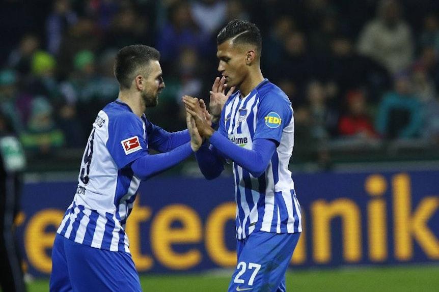 Vedad Ibisevic und Davie Selke begegnen sich sonst oft nur bei Auswechslungen. Gegen RB Leipzig sollen sie es gemeinsam richten.