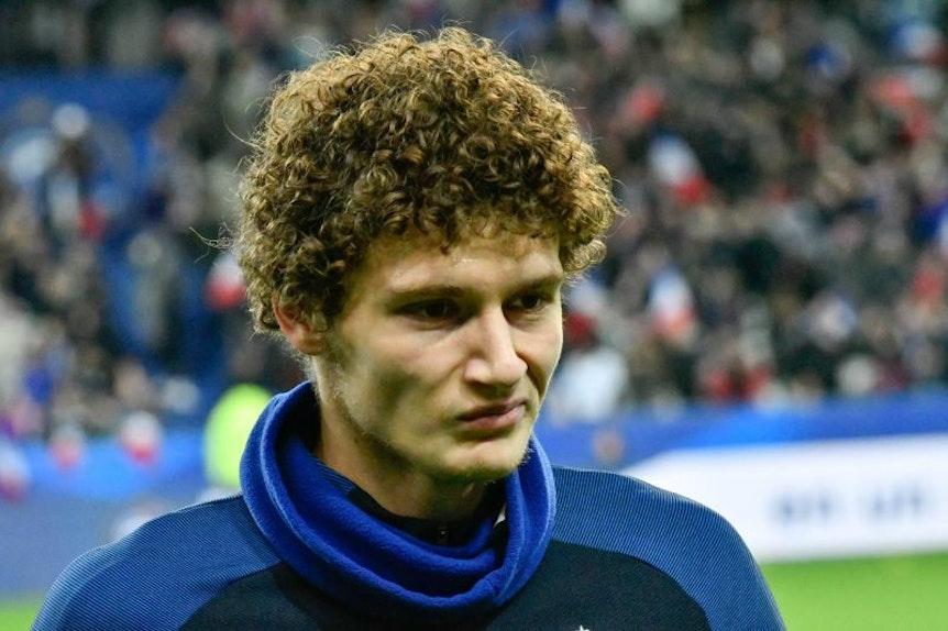 Benjamin Pavard ist Neu-Nationalspieler Frankreichs und steht angeblich bei RB Leipzig auf dem Zettel.