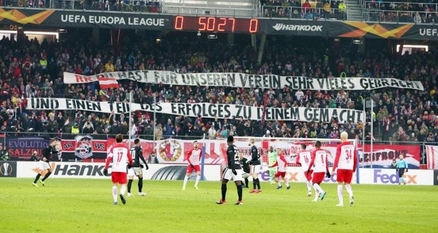 """""""Banner von RB Leipzig Fans mit der Aufschrift: """"""""Du hast für unseren Erfolg sehr vieles gebracht und einen Teil des Erfolgs zu deinem gemacht."""""""""""""""
