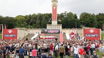 Beim ersten Heimspiel eröffnete der Fantreff von RB Leipzig im rechten Gebäudeteil der Stirnbauten seine Pforten.