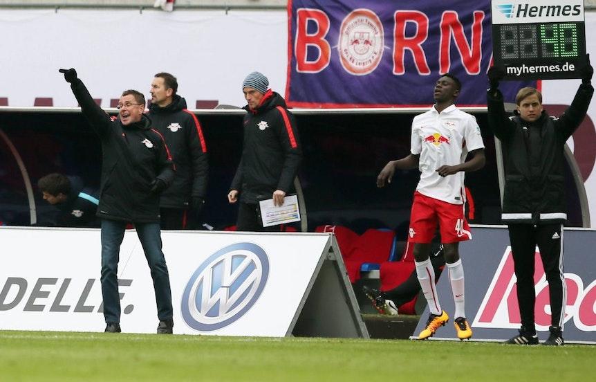 Der glücklichste Moment von Idrissa Touré in seiner Zeit bei RB Leipzig: Einwechslung in der 2.Liga beim Spiel gegen 1860 München im März 2016.