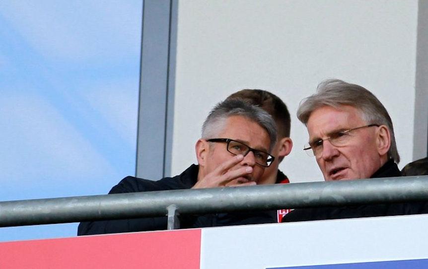 Ralf Heskamp (links) mit HFC-Präsident Michael Schädlich.