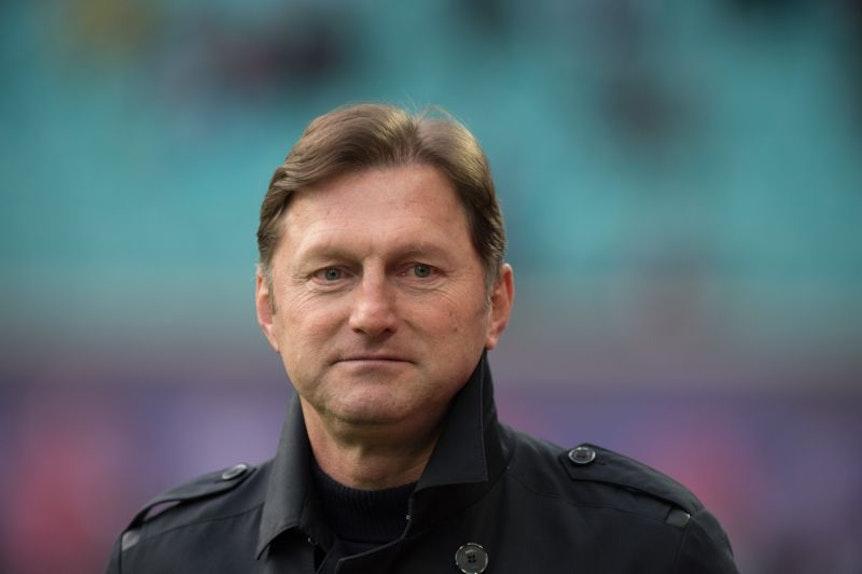 Die Zukunft von Trainer Ralph Hasenhüttl beschäftigt nicht nur die Medien.