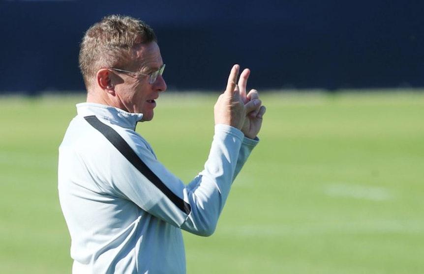 Ralf Rangnick arbeitete am Montag vor dem Celtic-Spiel nur mit einer kleinen Gruppe auf dem Trainingsplatz. (Archivbild: Imago)