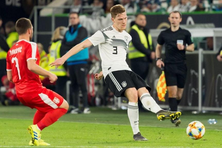 Marcel Halstenberg spielt als Linksverteidiger spät für Deutschland.