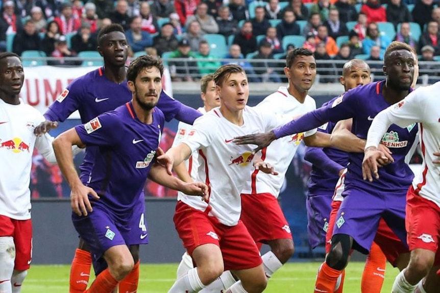 Ralph Hasenhüttl erwartet ein schwieriges Duell gegen Werder Bremen.