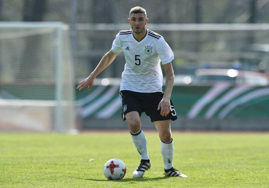 Julian Chabot im Trikot der U19-Nationalmannschaft.