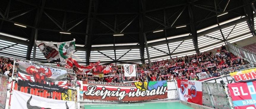Im DFB-Pokal soll der Auswärtsblock in Augsburg sehr gut mit Fans von RB Leipzig gefüllt sein.