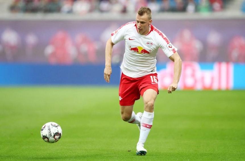 Lukas Klostermann hat erneut Probleme mit seinem Knie.