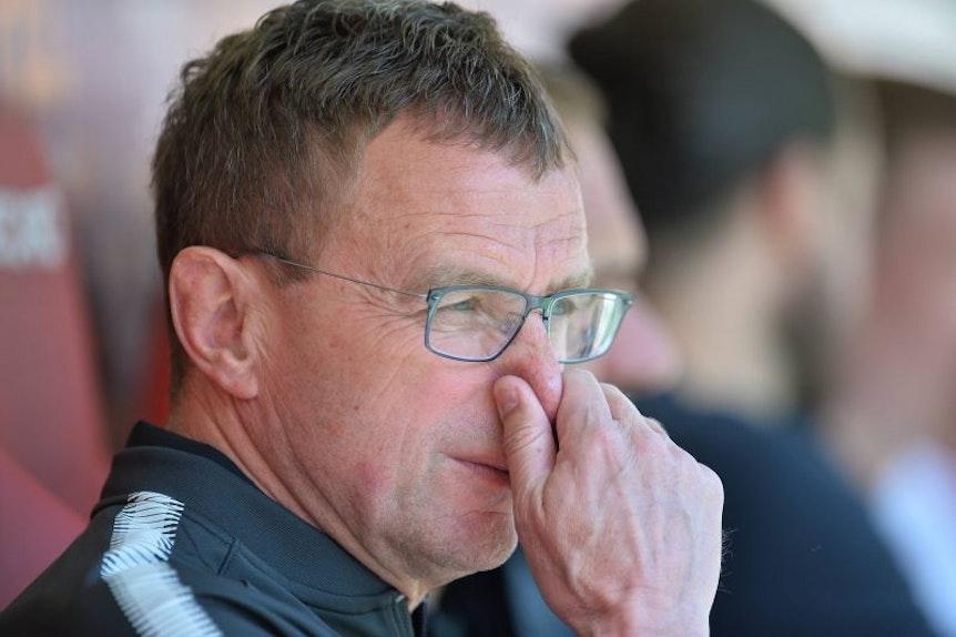 Ralf Rangnick hat mit der Trainersuche bei RB Leipzig gerade alle Hände voll zu tun.