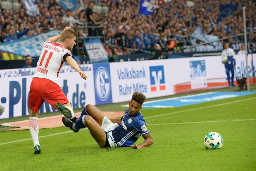 RB Leipzig tritt gegen Schalke 04 erneut zum Topspiel der Bundesliga am Samstagabend an.