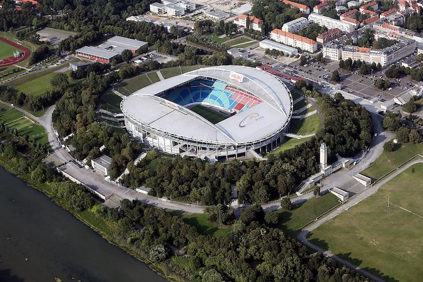 Die Red Bull Arena liegt direkt am Waldstraßenviertel.