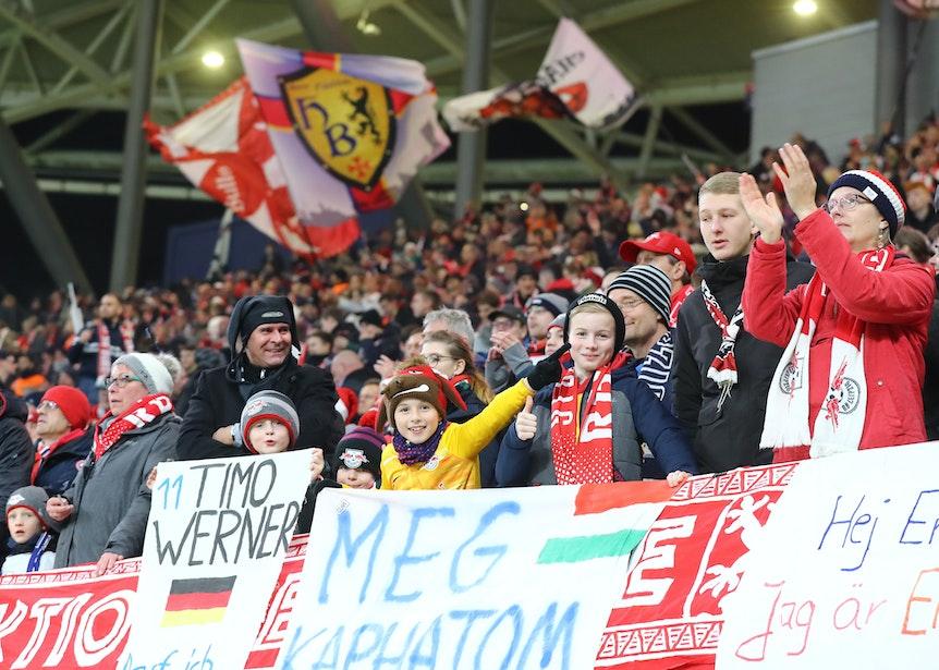 Familienverein: Fans von RB Leipzig beim Spiel gegen Hoffenheim.