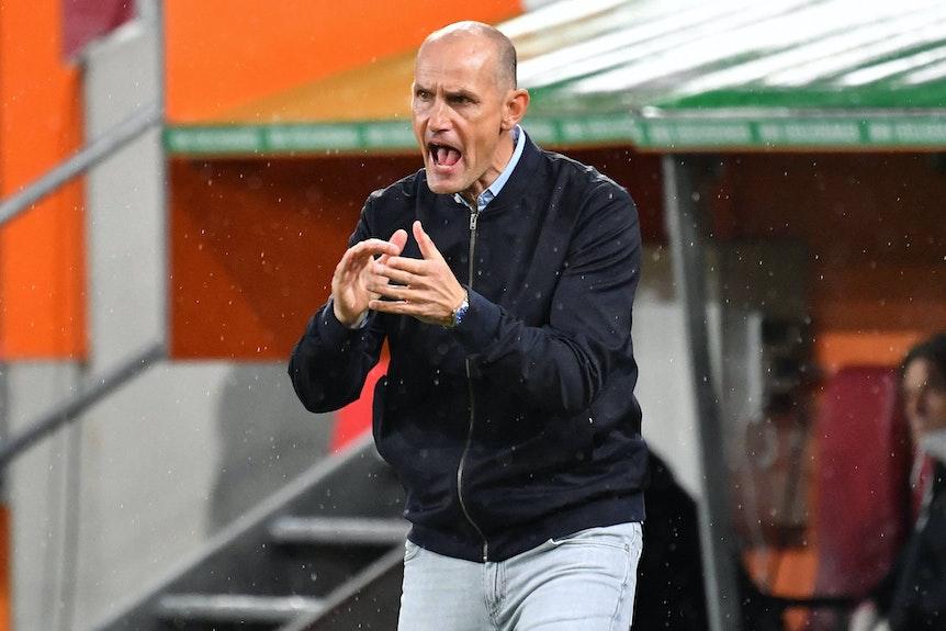 Heiko Herrlich soll sich auf Rat der Ärzte gegen RB Leipzig noch etwas zurückhalten.