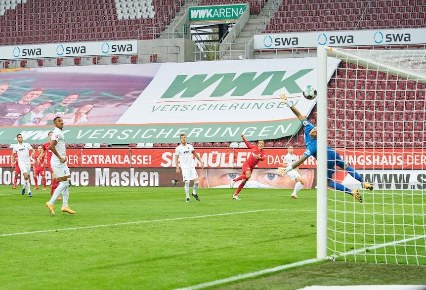 Yussuf Poulsens Traumtor für RB Leipzig zementierte den Sieg.