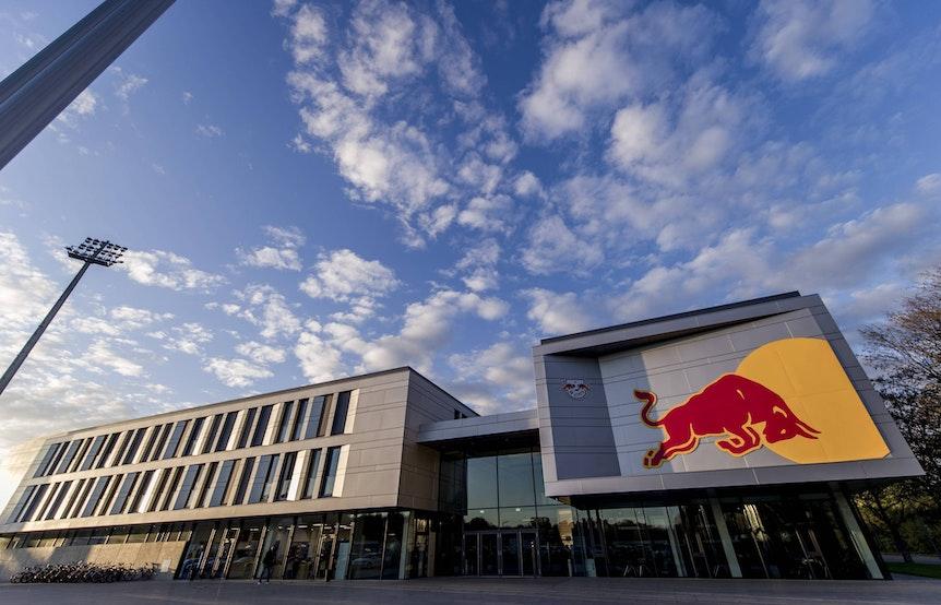 RB Leipzig (im Bild: die Trainingsakademie am Cottaweg) machte im Vergleich zur letztjährigen Beliebtheitsstudie einen Platz gut.