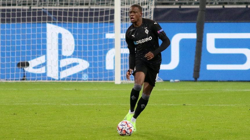 Borussia Mönchengladbachs Mittelfeldspieler Denis Zakaria spielte im Champions-League-Duell mit Inter Mailand im Borussia-Park am 1. Dezember 2020 die komplette zweite Halbzeit durch.