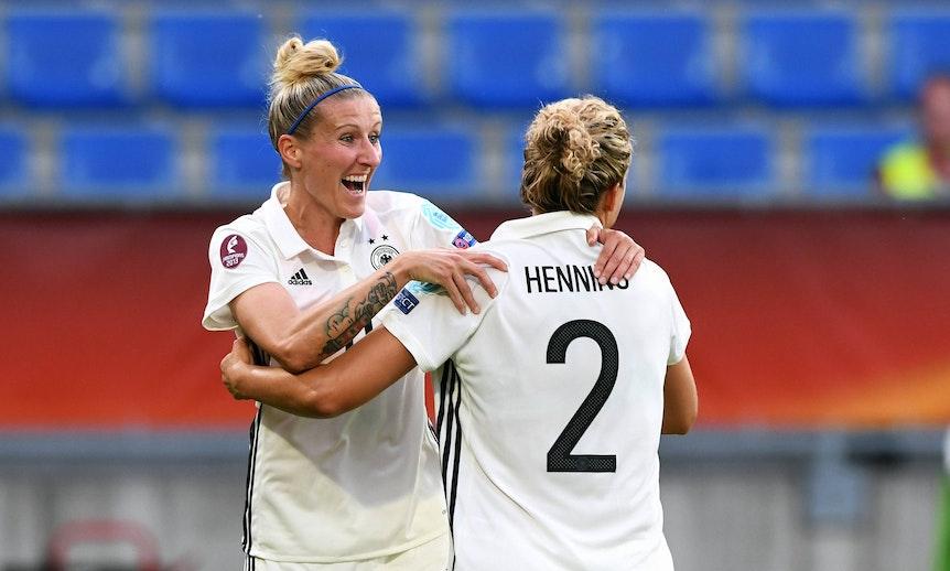 RB-Spielerin Anja Mittag startet mit Josephine Henning einen Podcast.