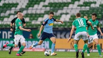 Feuer frei: Florian Neuhaus stellte die Bremer mit seinen Dribblings und Abschlüssen immer wieder vor Probleme.
