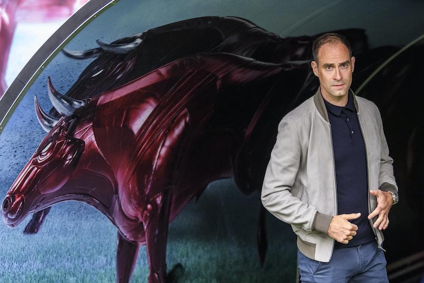 Mit der Kraft der zwei Bullen: RB-Vorstand Oliver Mintzlaff.