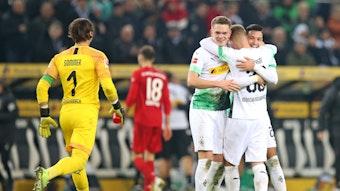 Yann Sommer, Matthias Ginter, Nico Elvedi und Ramy Bensebaini (v.l.n.r.) könnten in der Vorbereitung mit ihren jeweiligen Nationalteams unterwegs sein und Borussia Mönchengladbach fehlen.