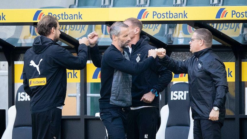 Max Eberl hat im Jahr 2019 nicht nur Cheftrainer Marco Rose, sondern auch dessen Assistenten René Maric (links) und Alexander Zickler (hinten) nach Gladbach geholt.