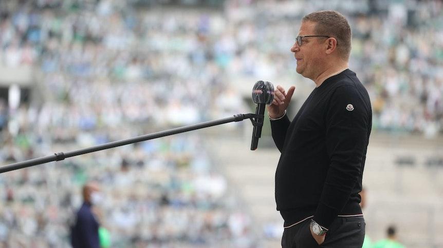 Gibt Max Eberl bald wieder Interviews vor Zuschauern? Gladbachs Manager hofft, dass zum Saisonstart Fans in den Borussia-Park dürfen.