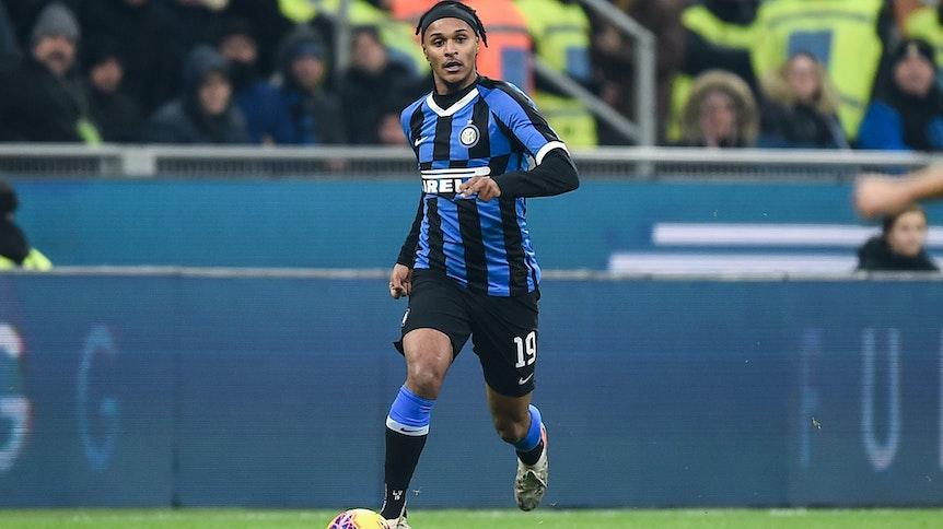 Valentino Lazaro von Inter Mailand soll sich mit Borussia Mönchengladbach über einen Wechsel an den Niederrhein einig sein.