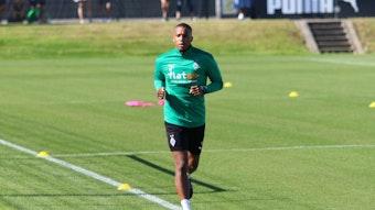 Alassane Plea drehte vergangene Woche in einer individuellen Einheit seine Runden um den Trainingsplatz im Borussia-Park.