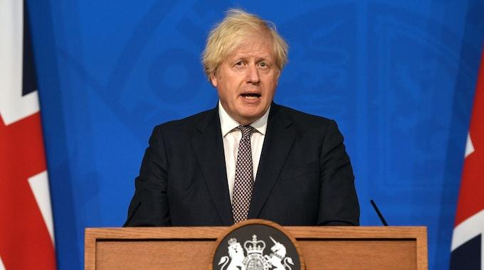 Boris Johnson bei einer Pressekonferenz in der Downing Street zur Lage in der Corona-Pandemie.