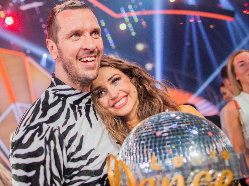 "Ekaterina Leonova und Pascal Hens freuen sich über den Sieg bei ""Let's Dance"" 2019."