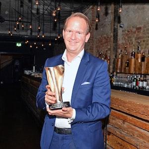 Stefan Löcher freut sich über den LEA-Preis und ist stolz auf sein Team.