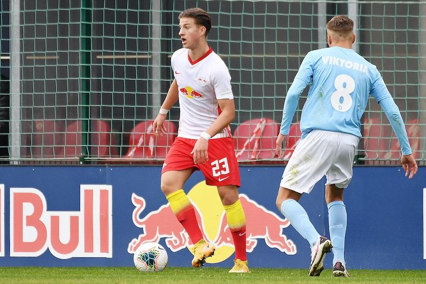 Ben Klefisch steigt aus der A-Jugend von RB Leipzig zu den Profis in die Bundesliga auf.