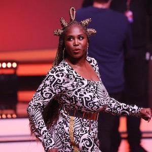 """Jurymitglied Motsi Mabuse agiert am 15. Mai 2021 bei der RTL-Tanzshow """"Let's Dance"""" auf der Bühne."""