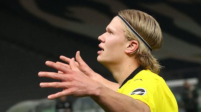 Dortmunds Torschütze Erling Haaland feiert das Tor zum 0:2 gegen RB Leipzig.