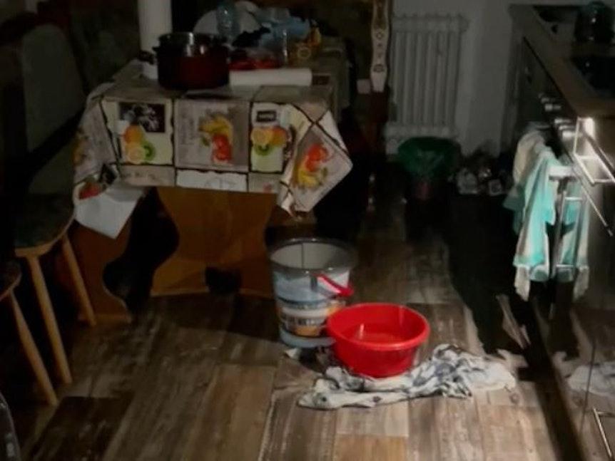 In den Wohnungen in Köln-Seeberg ist nach dem Wasserschaden großer Schaden entstanden.