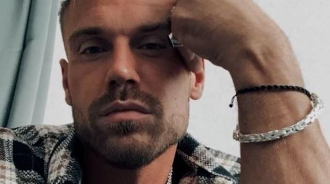 """Chris Broy, Reality-TV-Show-Kandidat, postet ein Selfie von sich auf Instagram. Er blickt lässig in die Kamera. Broy ist Kandidat von """"Kampf der Realitystars""""."""