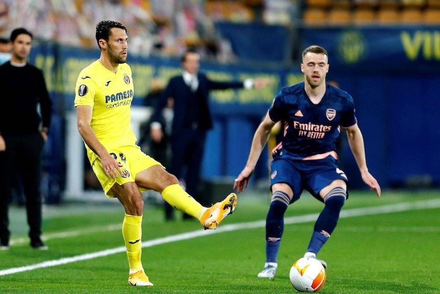 Könnte Halstenberg bei RB ersetzen: Alfonso Pedraza (l.), hier im Spiel gegen den FC Arsenal
