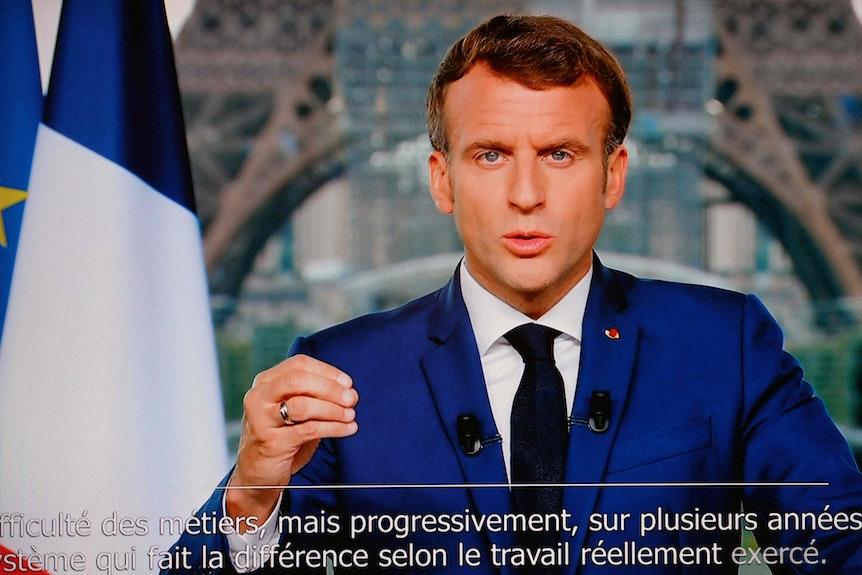 Emmanuel Macron während einer Fernsehansprache.