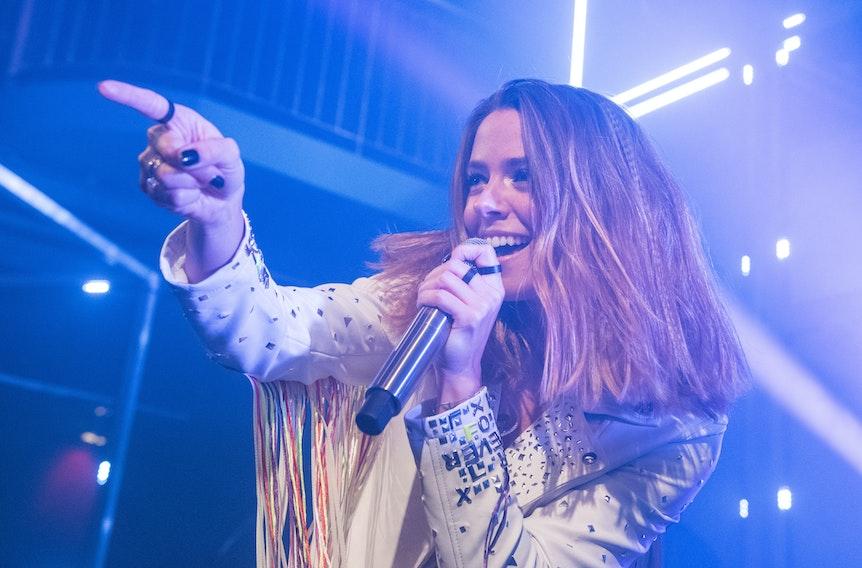 """Vanessa Mai, tritt im Rahmen ihrer Teaser Show-Tour für ihr Album """"Für immer"""" auf."""