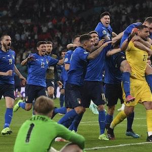 Die Italiener jubeln nach dem EM-Sieg