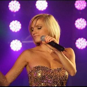 Anni Perka bei einem Auftritt 2020