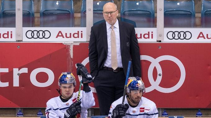 Don Jackson auf der Bank des EHC Red Bull München