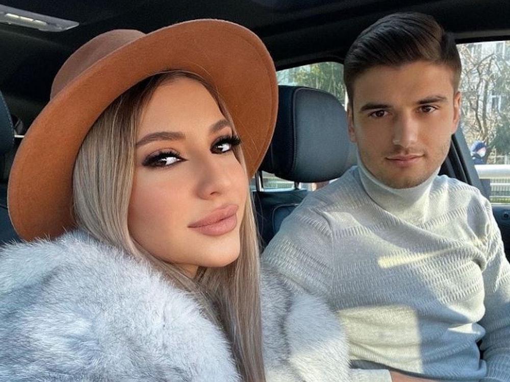Die rumänische Sängerin Aza Gabriela und der Fußballer Dragos Nedelcu