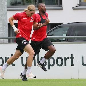 Sebastiaan Bornauw trainiert mit Anthony Modeste beim 1. FC Köln