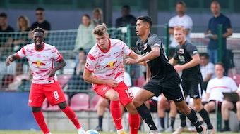 Keine Werbung in eigener Sache: Alexander Sörloth (Mitte) beim Testspiel gegen AZ Alkmaar.