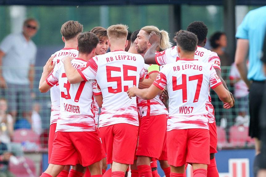 Kampl und die Jungs: Mit einer jungen Elf spielte sich RB Leipzig in der zweiten Hälfte frei.