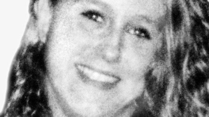 Cindy Koch aus Oberhausen schaut in die Kamera. Koch wurde vor knapp 24 Jahren in Oberhausen ermordet.