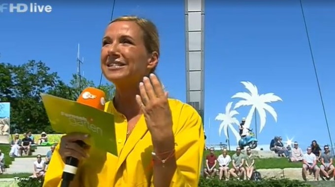 Andrea Kiewel moderiert am 18. Juli 2021 den ZDF-Fernsehgarten